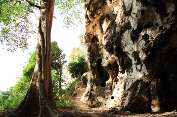 เที่ยวถ้ำต่างๆ อำเภอบ่อทอง ชลบุรี