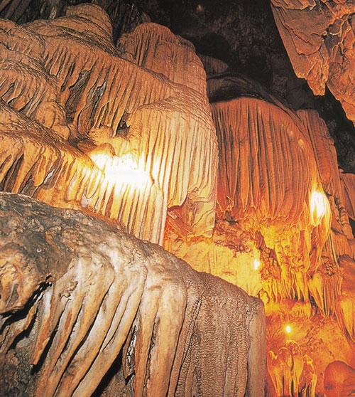 เที่ยวถ้ำปู่หลุบ อุทยานแห่งชาติภูผาม่าน อำเภอภูผาม่าน ขอนแก่น