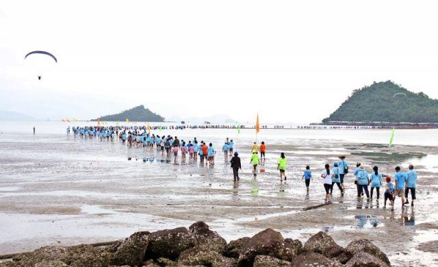 วิ่งแหวกทะเลสู่เกาะพิทักษ์