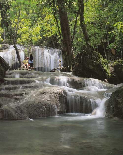 น้ำตกเอราวัณ อุทยานแห่งชาติเอราวัณ จังหวัดกาญจนบุรี