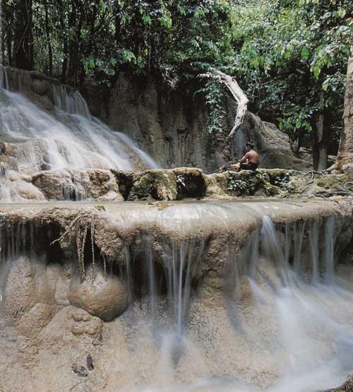 น้ำตกวังสายทอง เขตรักษาพันธุ์สัตว์ป่าเขาบรรทัด จังหวัดสตูล
