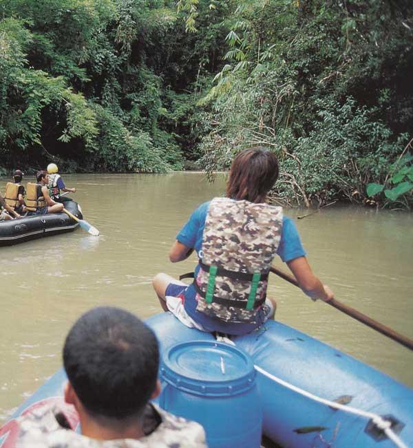 ล่องแก่งแม่น้ำซองกาเลีย สังขละบุรี กาญจนบุรี