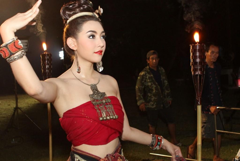 ละครเพลิงฉิมพลี  อั้ม-เบลล่า รัก ดราม่าเข้ม