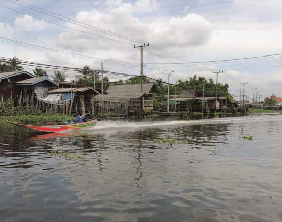 ล่องเรือเที่ยวคลองอ้อมนนท์  จังหวัดนนทบุรี