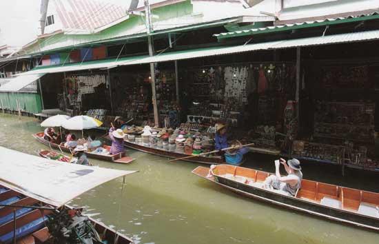 ตลาดน้ำดำเนินสะดวก คลองดำเนินสะดวก ราชบุรี